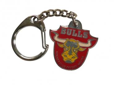 Výroba kovových přívěsků - Bulls